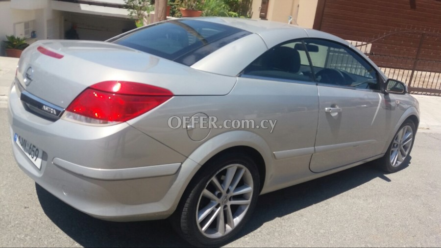 Used Cyprus Car Opel Astra Convertible Tou 032008 55967en