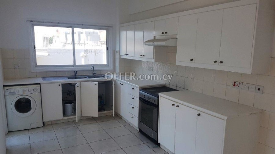3 Bedroom apartment in a walking distance to the beach (300m) - 2