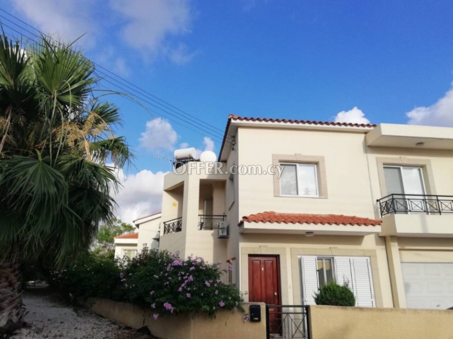 3 Bedroom House in Exo Vrisi, Universal for Sale - 5