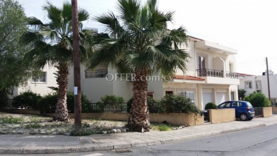 3 Bedroom House in Exo Vrisi, Universal for Sale - 6