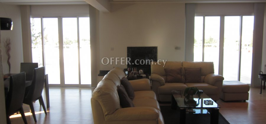 3 Bedrooms Penthouse Flat In Agios Andreas - 5