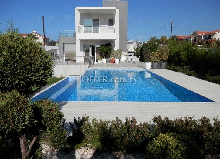4 Bedroom Luxury Villa in Peyia- Sea Caves for Sale - 1