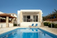 4 Bedroom Luxury Villa in Kissonerga for Sale