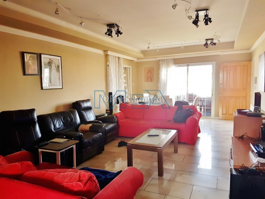 Apartment in Agios Dometios for Sale - 3