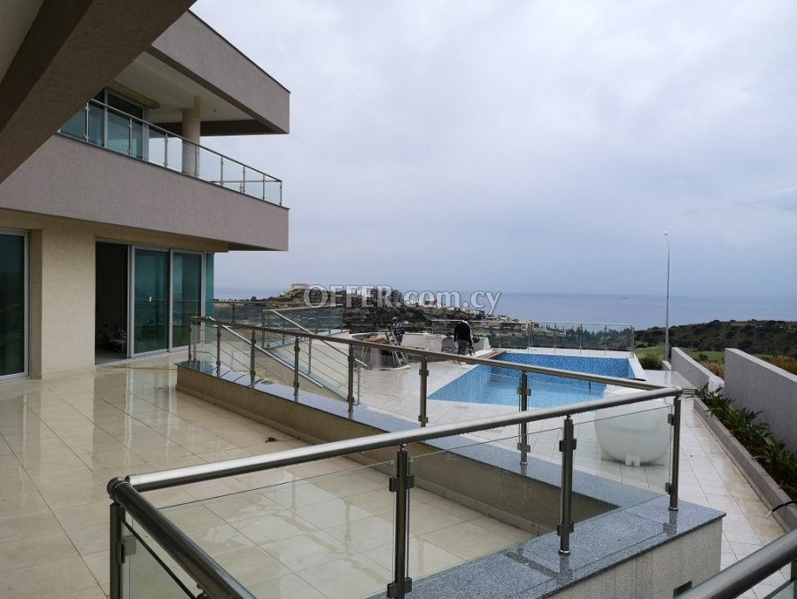 6-bedroom Detached Villa 600 sqm in Agios Tychonas, Limassol - 2