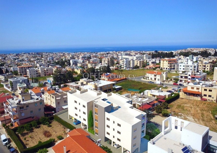 Luxury 3 Bedroom Apartment in Paphos Center - Cyprus - 5