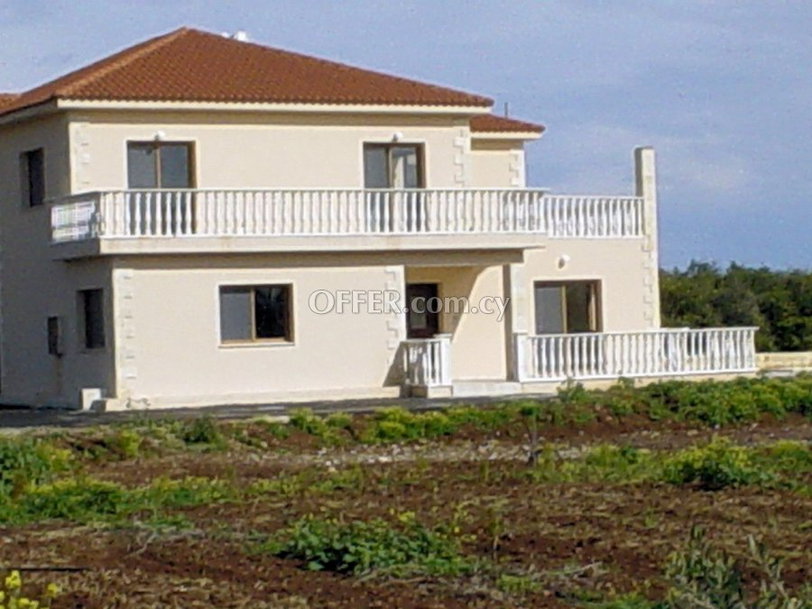 5-bedroom Detached Villa 400 sqm in Asomatos, Limassol - 5
