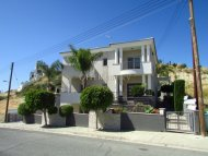 6-bedroom Detached Villa 450 sqm in Agios Athanasios, Limassol
