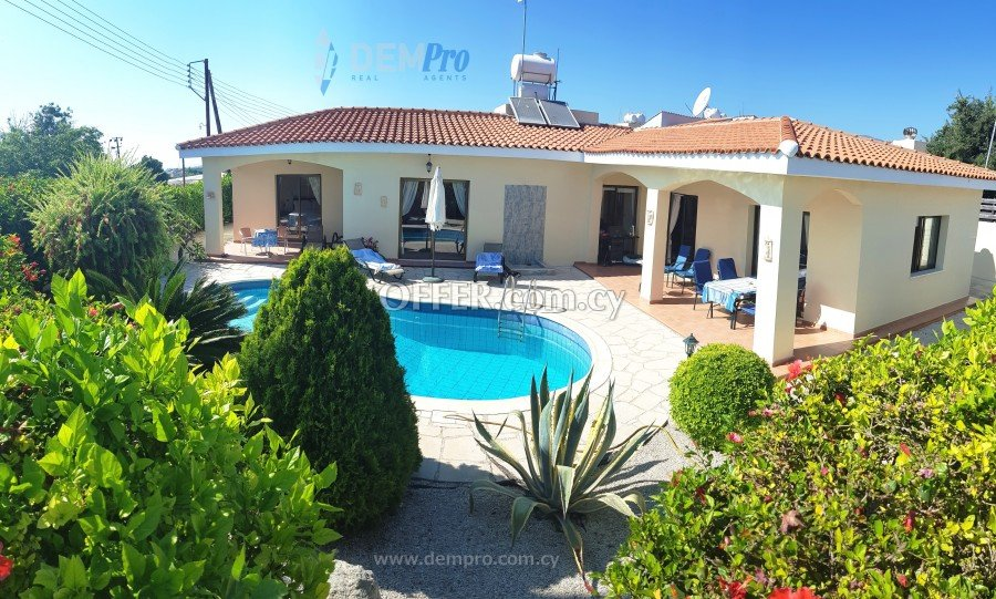 For Sale Bungalow in Empa - Paphos - Cyprus - 1