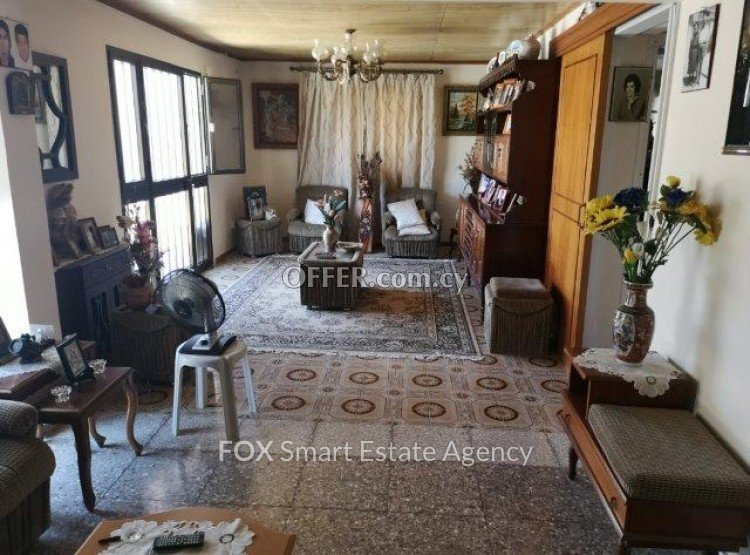 6 Bed  				Semi Detached House 			 For Sale in Kato Polemidia, Limassol - 3