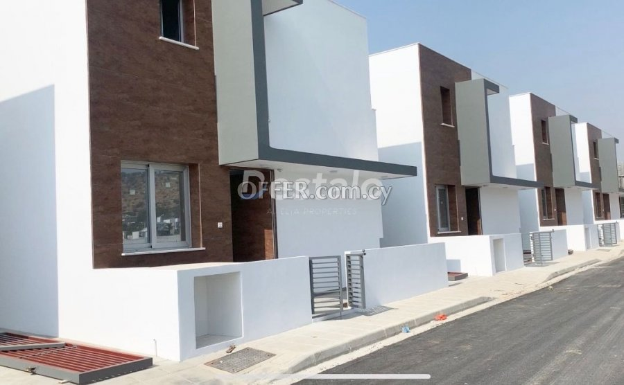 Detached Villa with Private Swimming Pool - 1