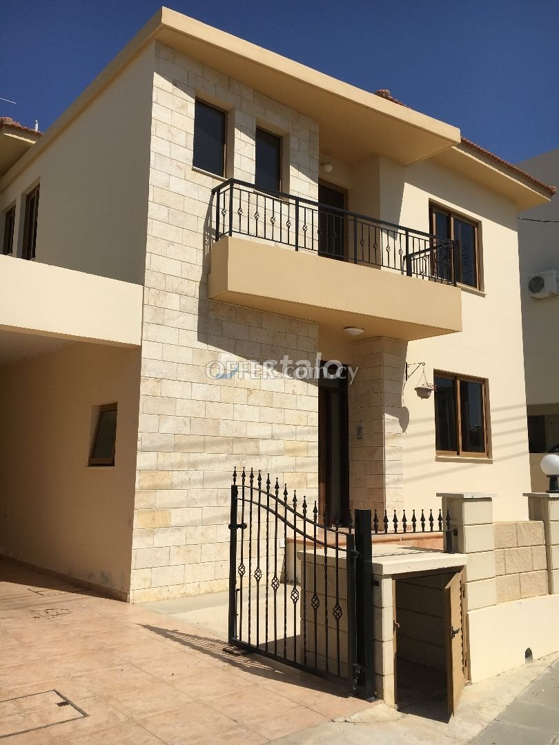 3 Bed Semi-Detached Villa For Sale in Oroklini, Larnaca - 2