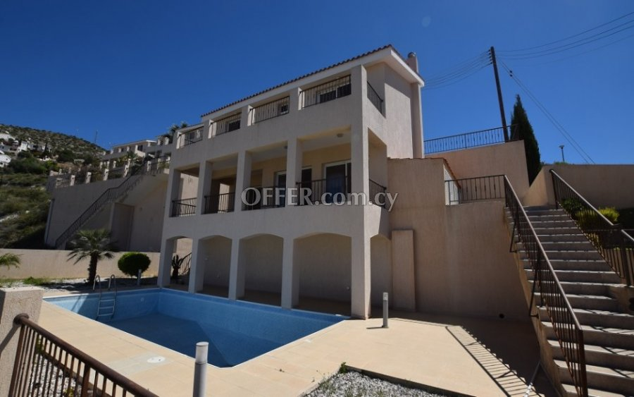 Three Bedroom townhouse in Tala for sale - 3