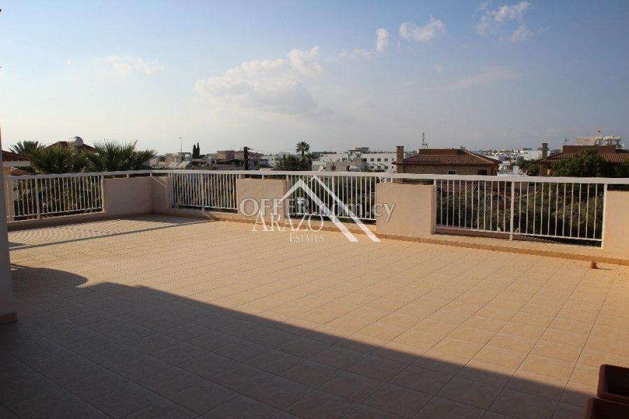 2 Bedroom Top Floor Apartment with Title Deed, Paralimni - 1