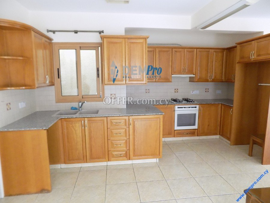 3 Bedroom House in Paphos Town - 4