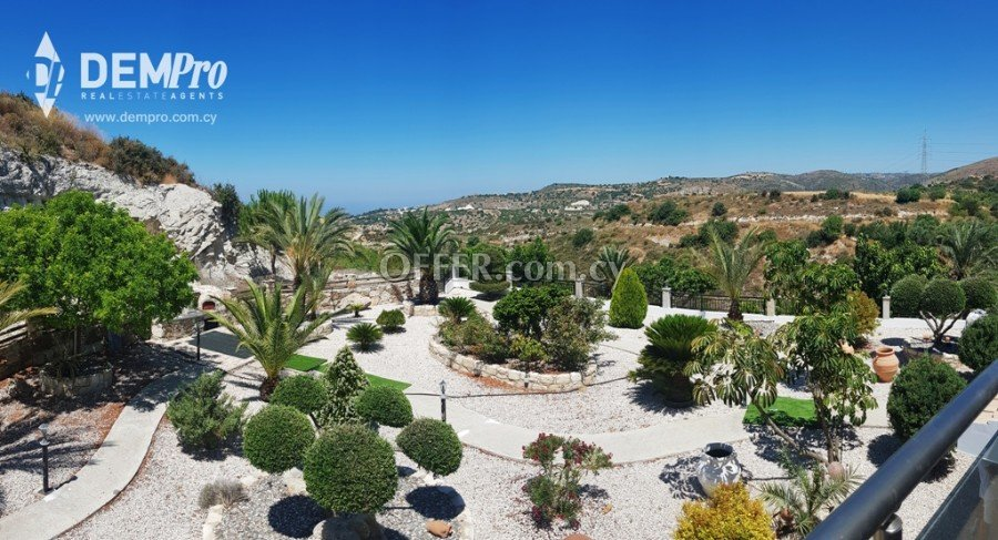 For Rent 4 Bedroom Luxury Villa in Paphos - Armou - 2
