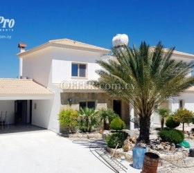 For Rent 4 Bedroom Luxury Villa in Paphos - Armou - 1
