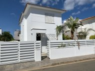 Magnificent Villa with Title Deeds,Ayia Triada