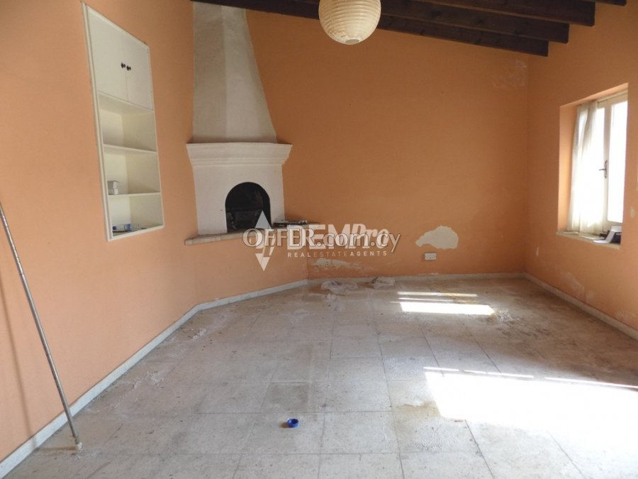 For Sale Bungalow in Anavargos - Paphos - Cyprus - 3