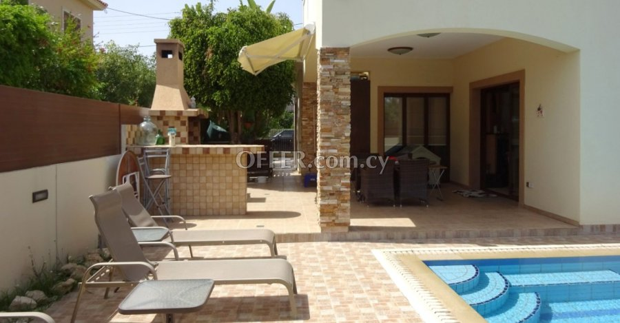 4 Bedrooms Detached House In Archangelos Area - 2