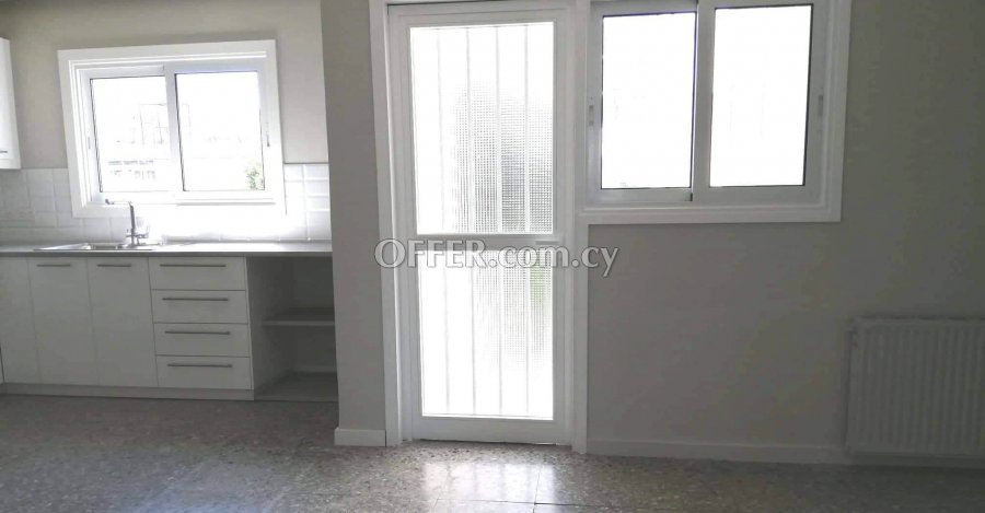 3 Bedrooms Whole-floor Flat In Pallouriotissa - 5