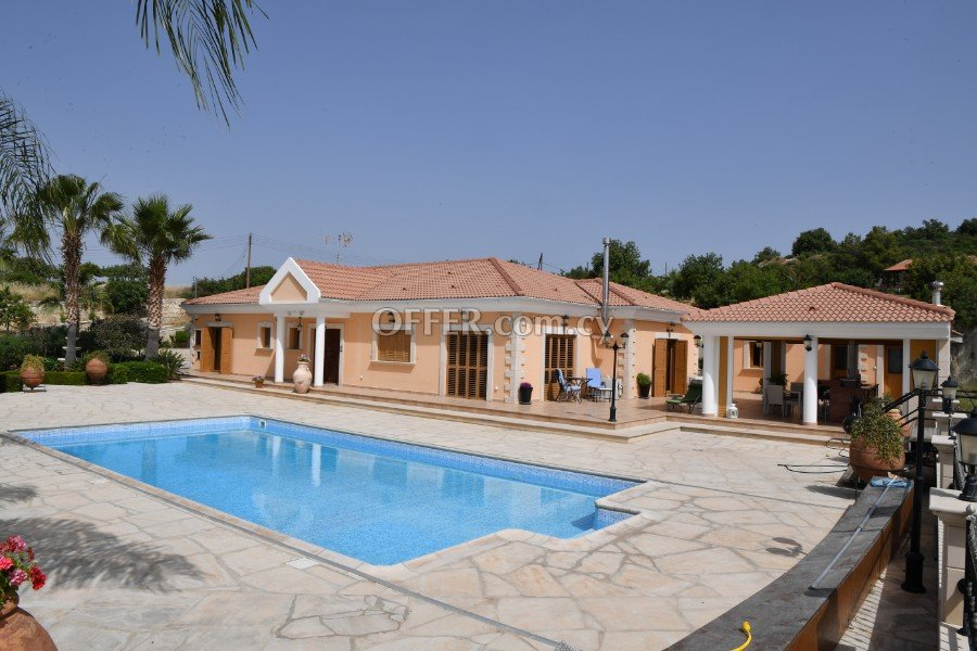 ** 4 BEDROOM VILLA WITH SWIMMING POOL IN APESIA VILLAGE - LIMASSOL ** - 1