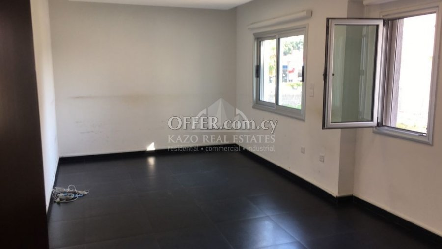 Office Commercial in Agia Zoni Limassol - 6