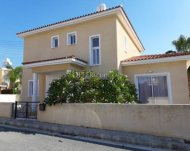 3 bedroom house for sale in Peyia