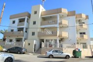 3 Bedroom Apartment with Title Deed, Paralimni