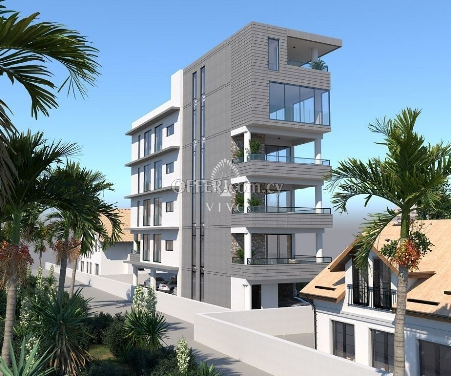 WHOLE TOP FLOOR 3 BEDROOM APARTMENT IN LIMASSOL CITY CENTER - 1
