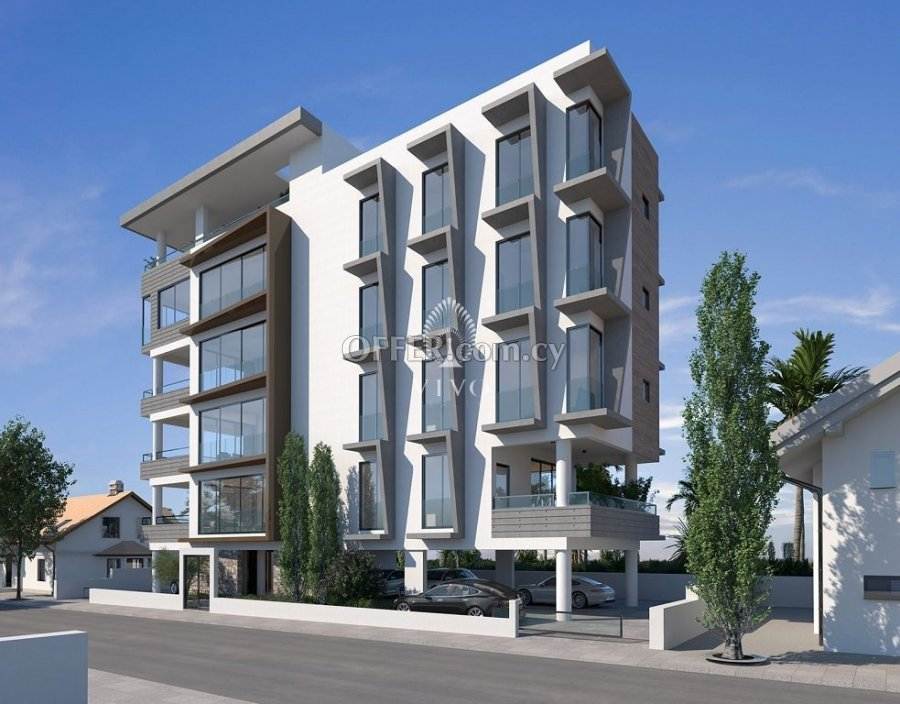 WHOLE FLOOR 2 BEDROOM APARTMENT IN LIMASSOL CITY CENTER - 2