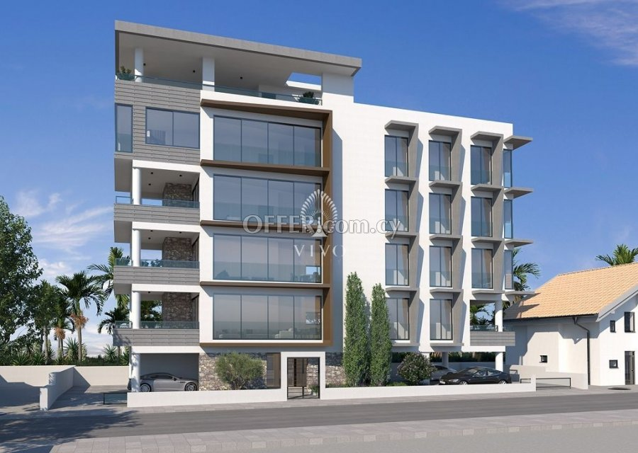 WHOLE FLOOR 2 BEDROOM APARTMENT IN LIMASSOL CITY CENTER - 4