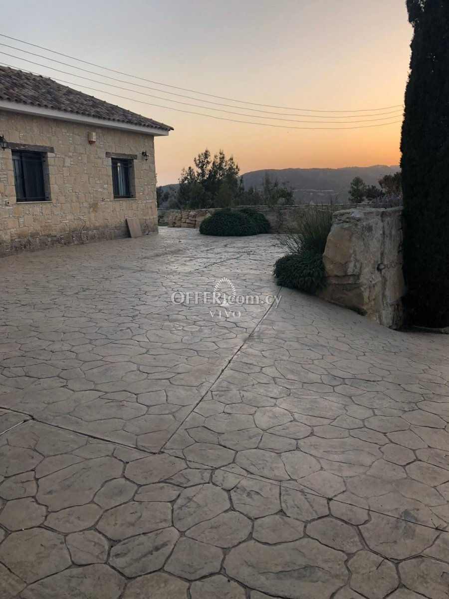 FOUR BEDROOM DETACHED HOUSES IN DHOROS VILLAGE IN LIMASSOL - 2