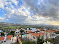 6 bedroom detached villa for sale in Melissovounos, Tala