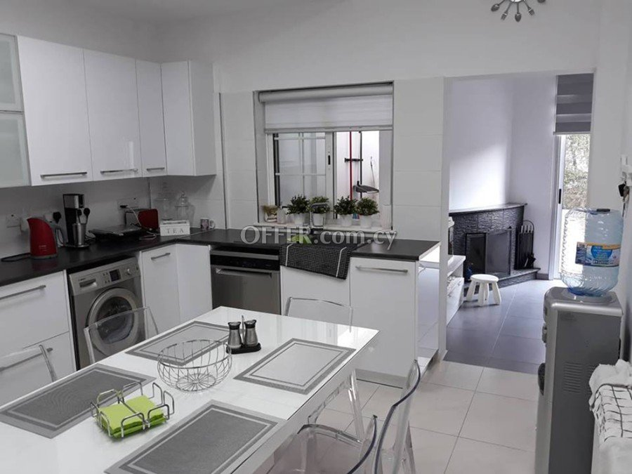 4 bed villa with separate 2 bed flat Laiki Lefkothea - 4