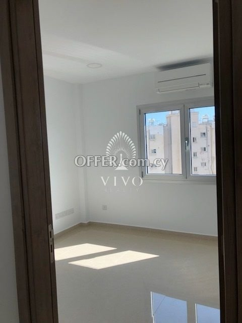 OFFICE FOR RENT WITH LARGE WINDOWS IN NEAPOLIS AREA - 6