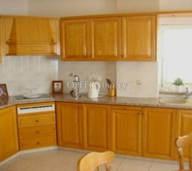 4 bed villa with separate 2 bed flat Laiki Lefkothea - 3