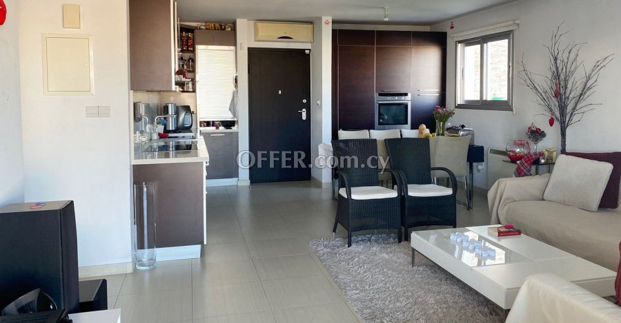 2 Bedrooms Penthouse Flat In Strovolos - 2