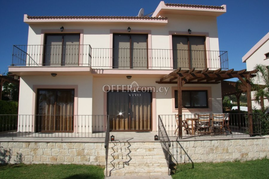 FULLY FURNISHED 3 BEDROOM HOUSE WITH POOL IN PISSOURI - 3