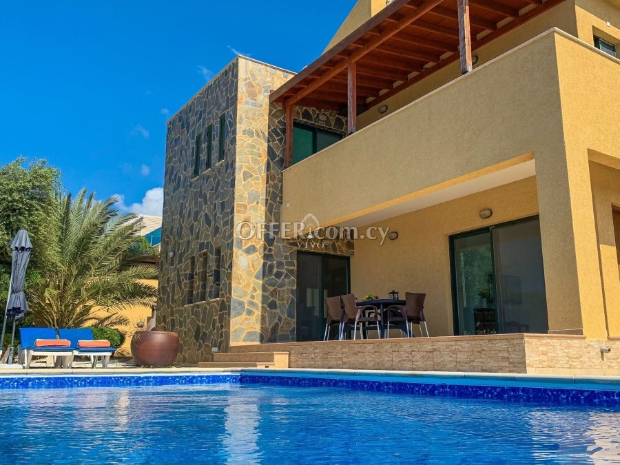 THREE BEDROOM DETACHED HOUSE  WITH POOL IN PISSOURI AREA - 2