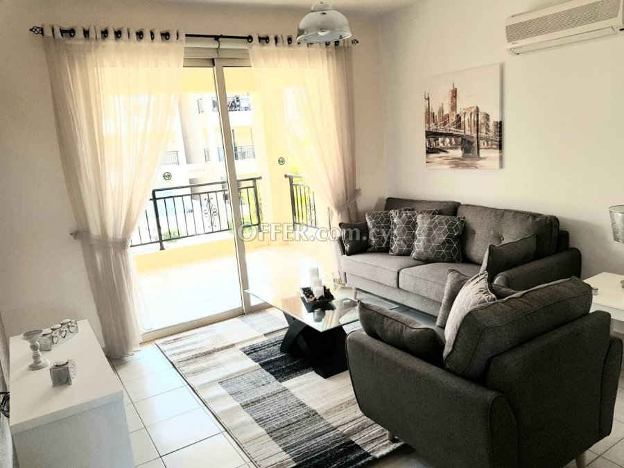 RESALE 2 BEDROOM APARTMENT NEAR THE TOMBS OF THE KINGS - 4