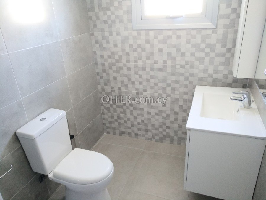 Modern 2 bedroom apartment for rent in Limassol centre - 5