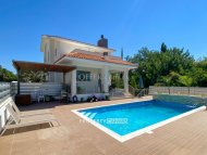 4 bedroom detached villa for sale in Emba