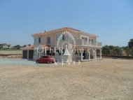 5 BEDROOM DETACHED HOUSE  WITH LARGE LAND IN PYRGOS