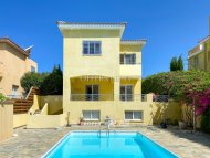 Three bedroom detached villa for sale in Chloraka
