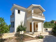 4 bedroom detached villa for sale in Chloraka