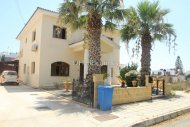 3 Bedrooms Detached House with Land Title Deed, Paralimni