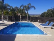 BEAUTIFUL THREE BEDROOM BUNGALOW WITH SWIMMING POOL IN PYRGOS