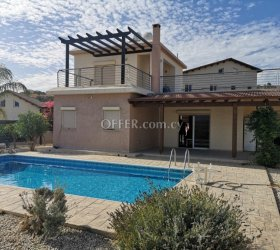 Superb detached house in excellent condition in Monagroulli Village