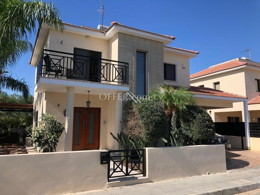 4 Bed House For Sale in Oroklini, Larnaca - 6